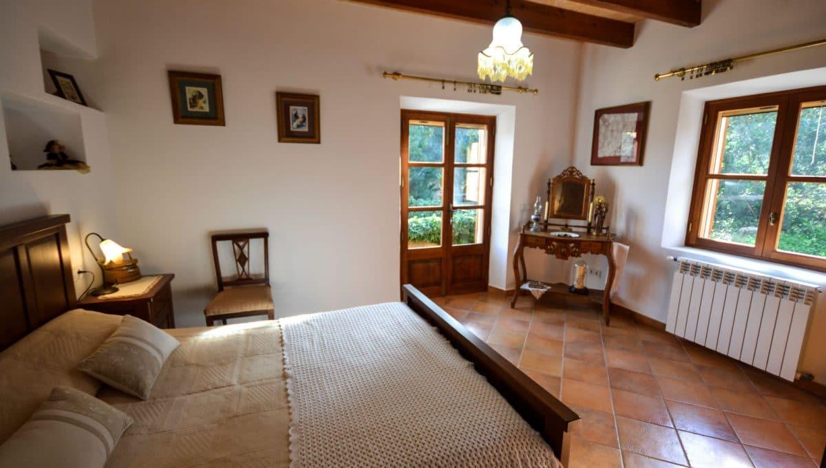 Luxus Schlafzimmer mit Balkon