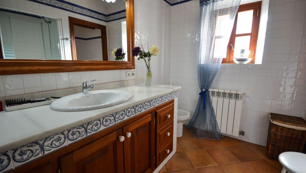 Badezimmer mit grosse Spiegen in Cas Concos