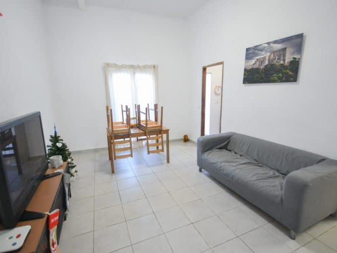 Wohnzimmer mit gorosse venster