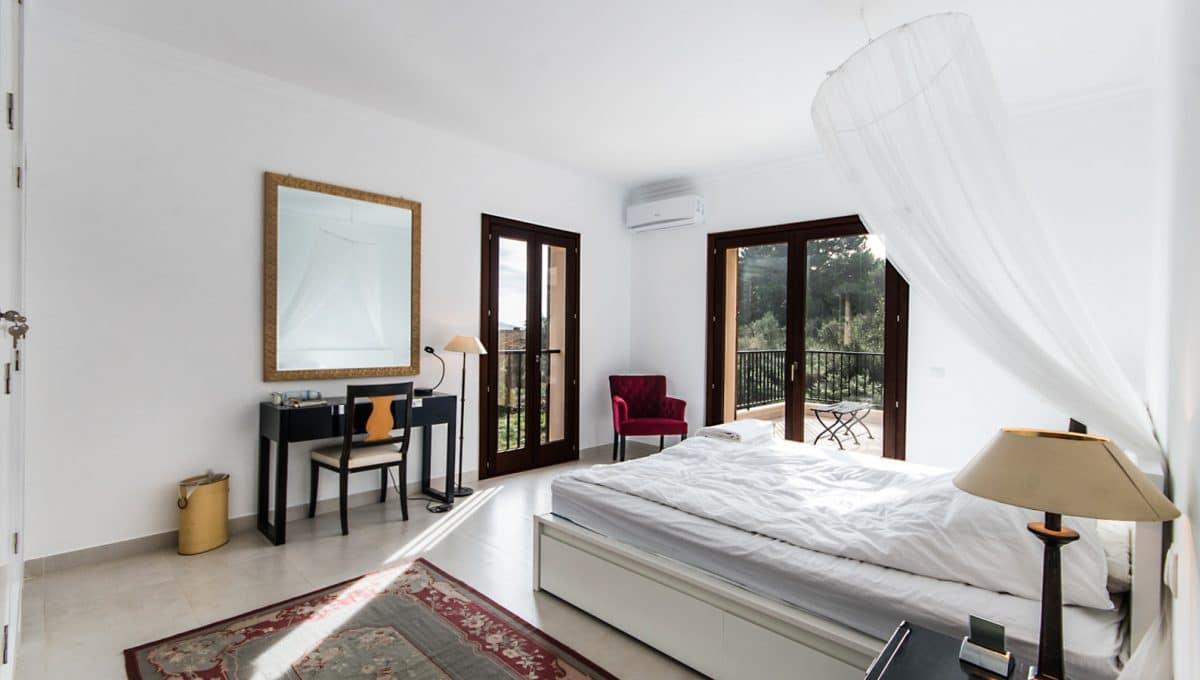 Luxus Finca Arta Schlafzimmer