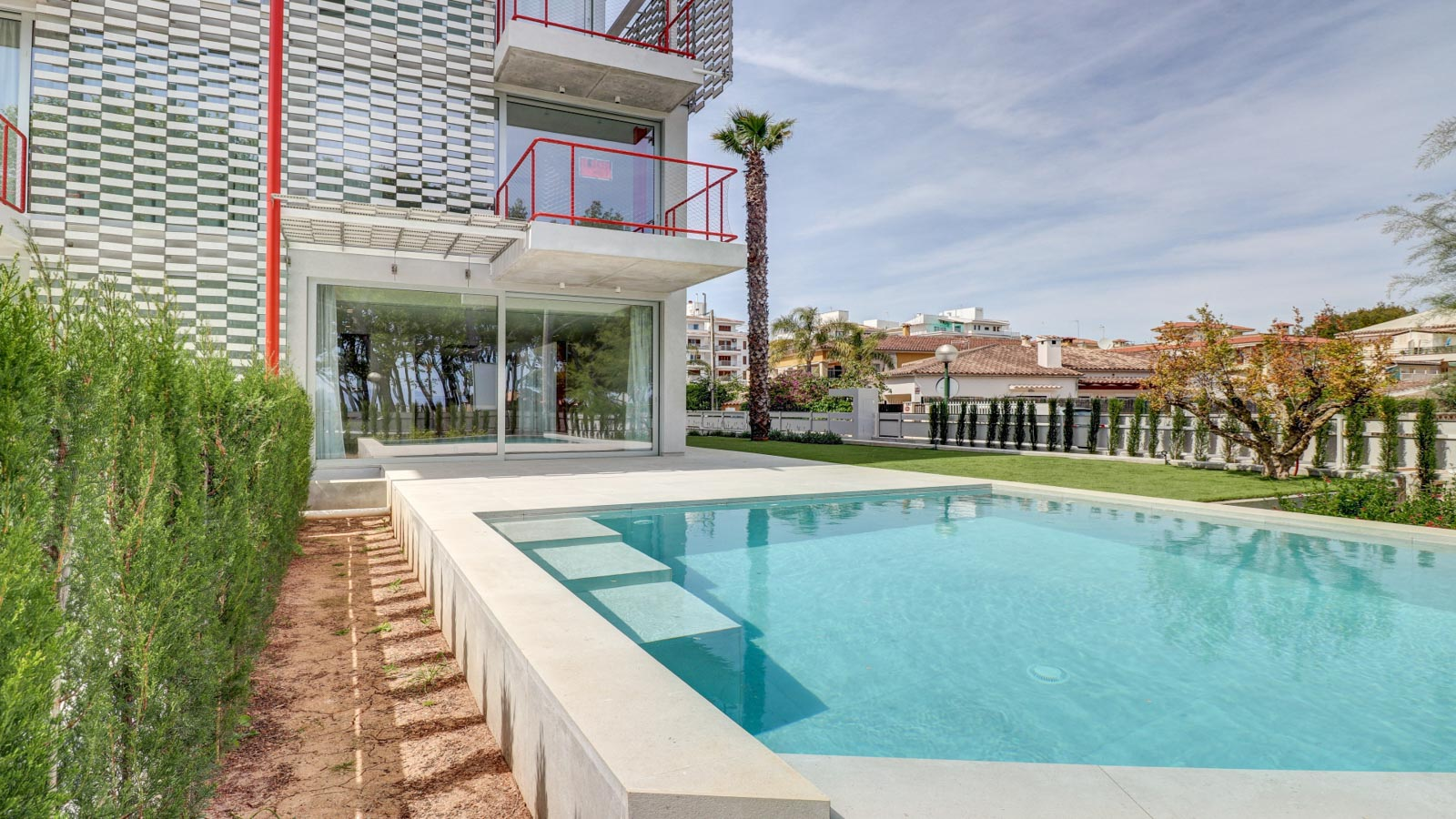 Modern luxury semi-detached house with swimming pool in Alcudia