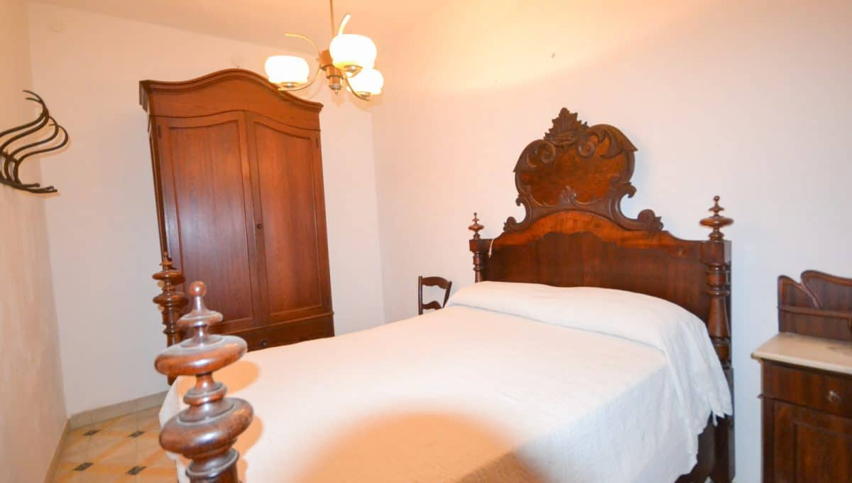 Schlafzimmer mit antike Möbel in Felanitx