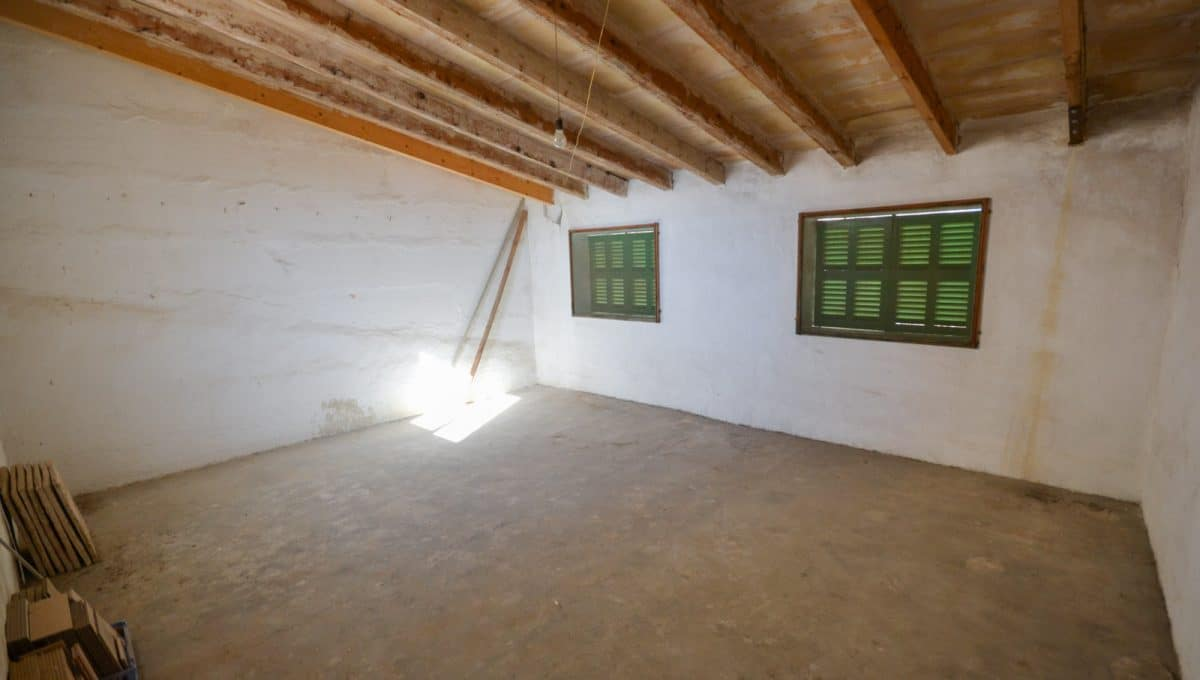 Breite und helle Saal mit möglichkeiten