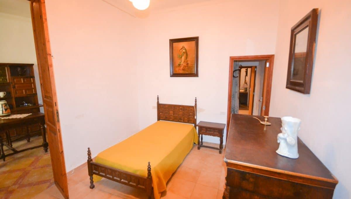 Schlafzimmer mit einige badezimmmer in felanitx