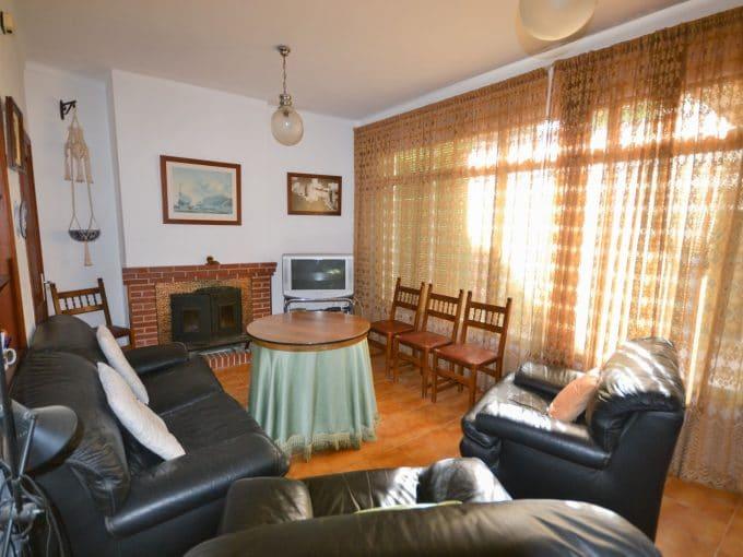 Helle wohnzimmer mit Kamin immobilien Felanitx