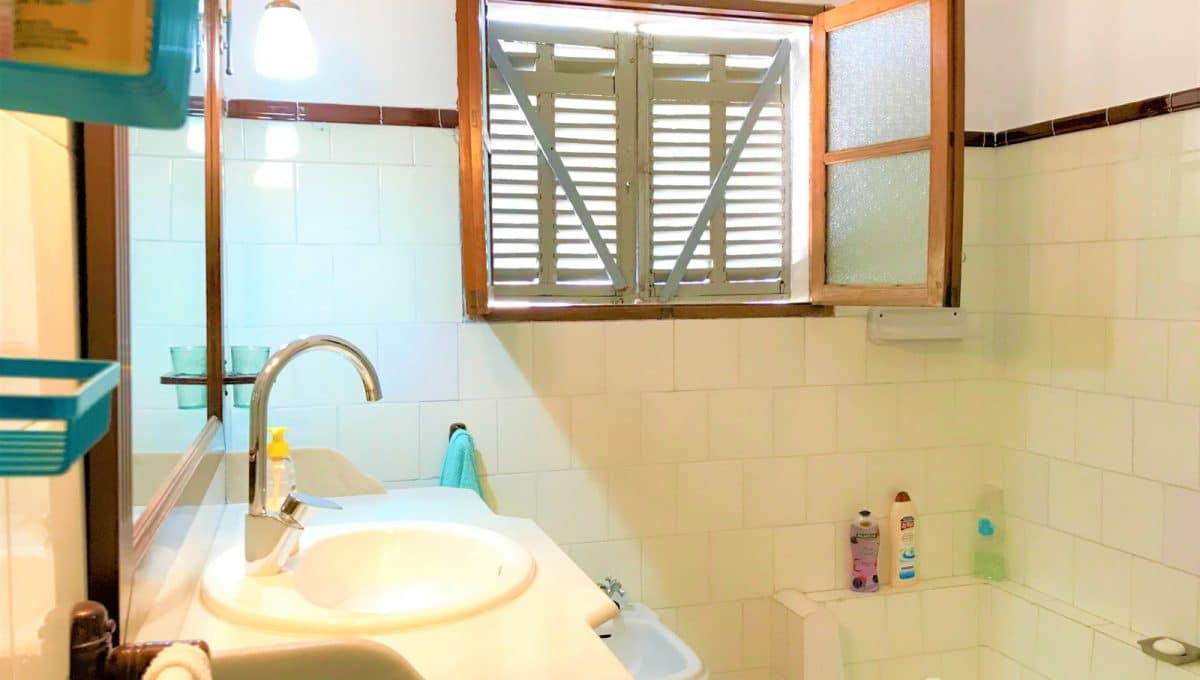 Badezimmer mit grosse venster in Felanitx