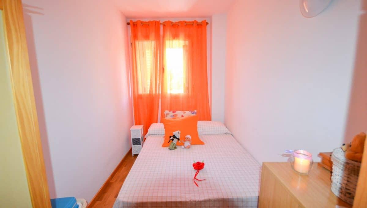 Schlafzimmer mit venster