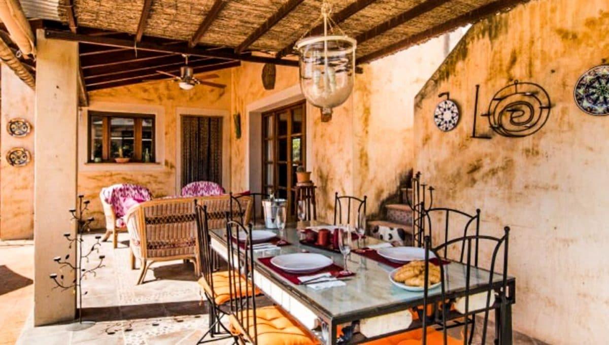 Terrasse mit grosse tisch Luxushaus in Arta