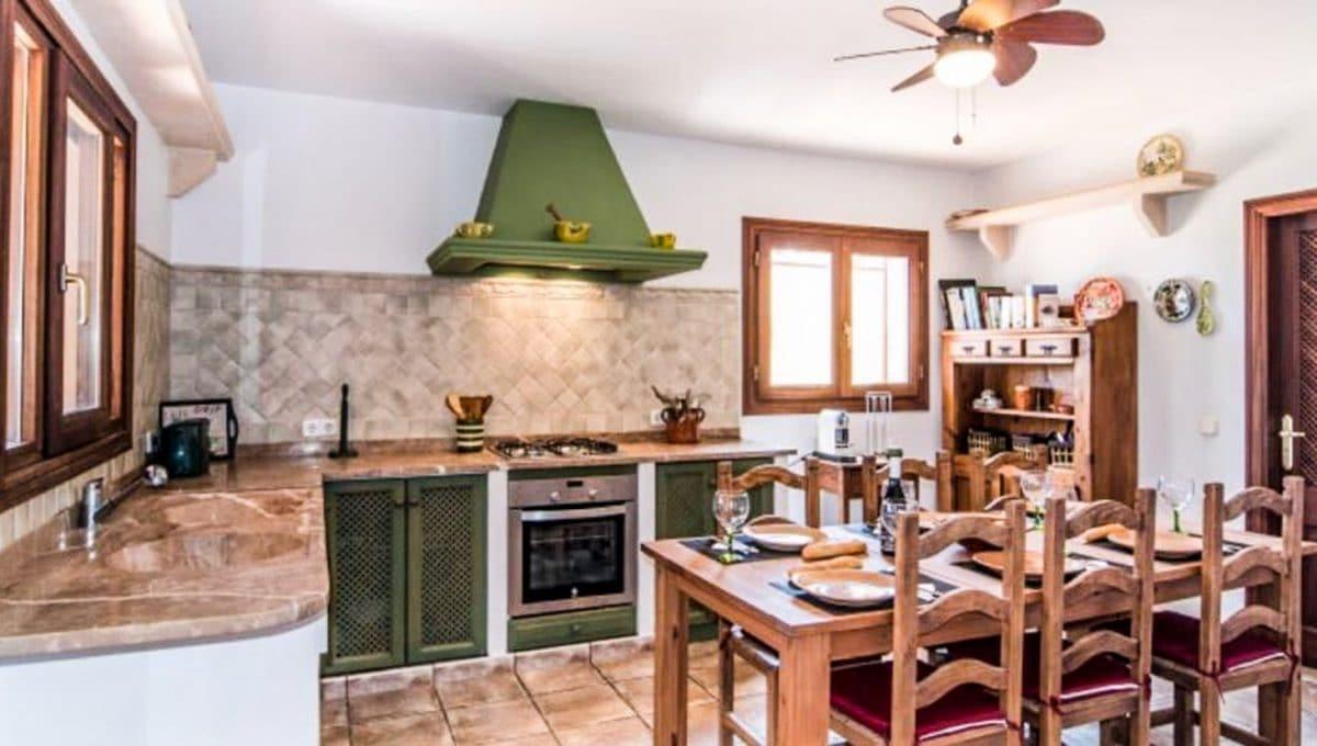Offene Küche mit Esszzimmer in mallorquinische styl