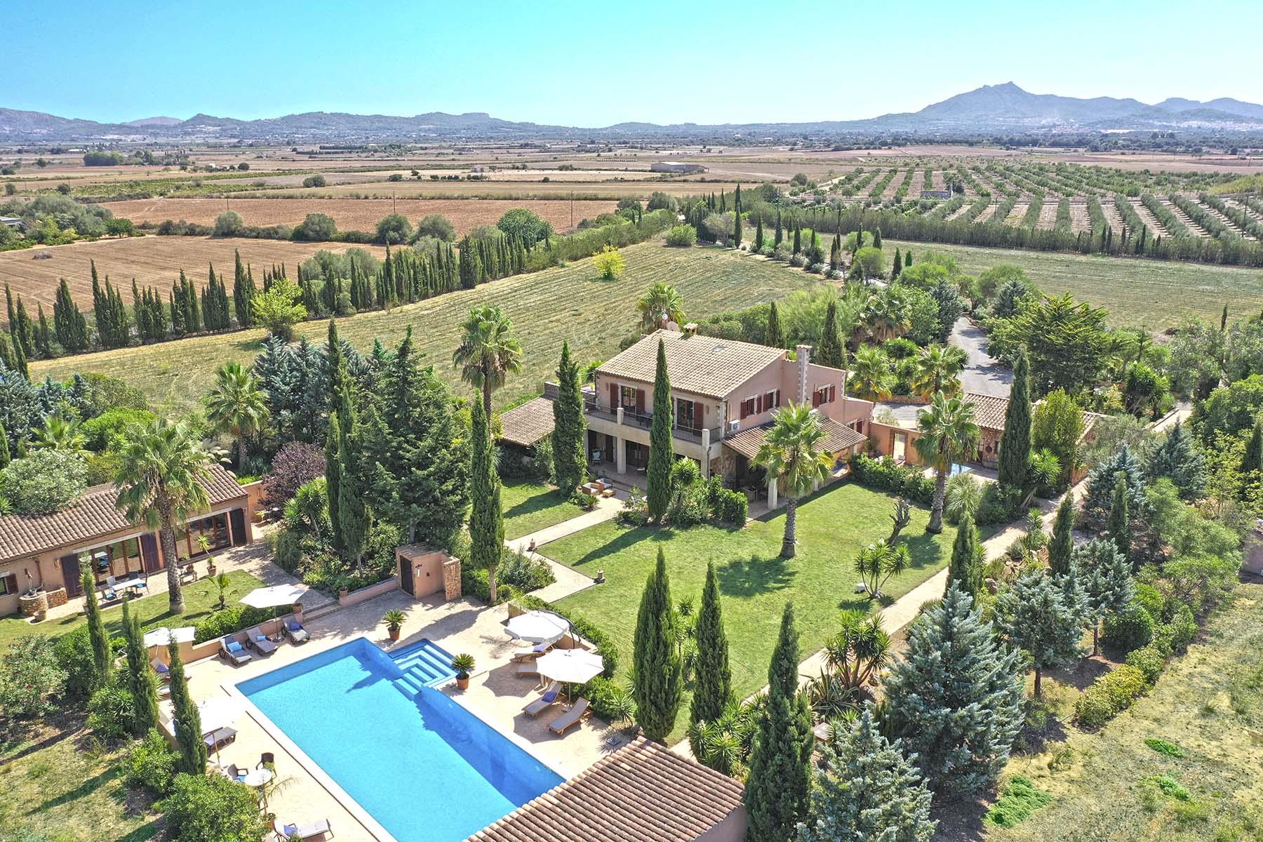 Impresionante Finca con piscina, casas de invitados y vistas panorámicas en Felanitx