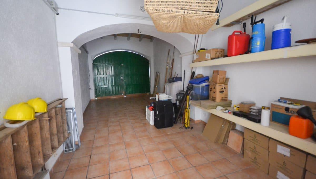 Breite Garage für zwei autos