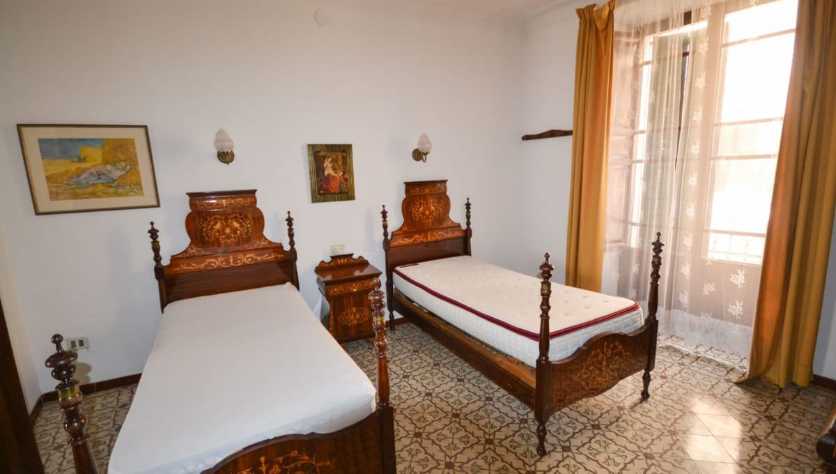 Doppelte Schlafzimmer mit grosse venster in Felanitx