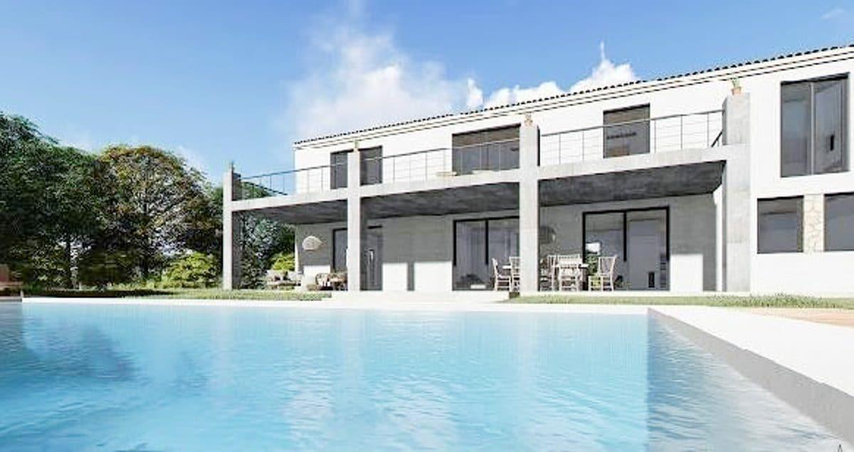 Blick auf dem Pool und Terrasse