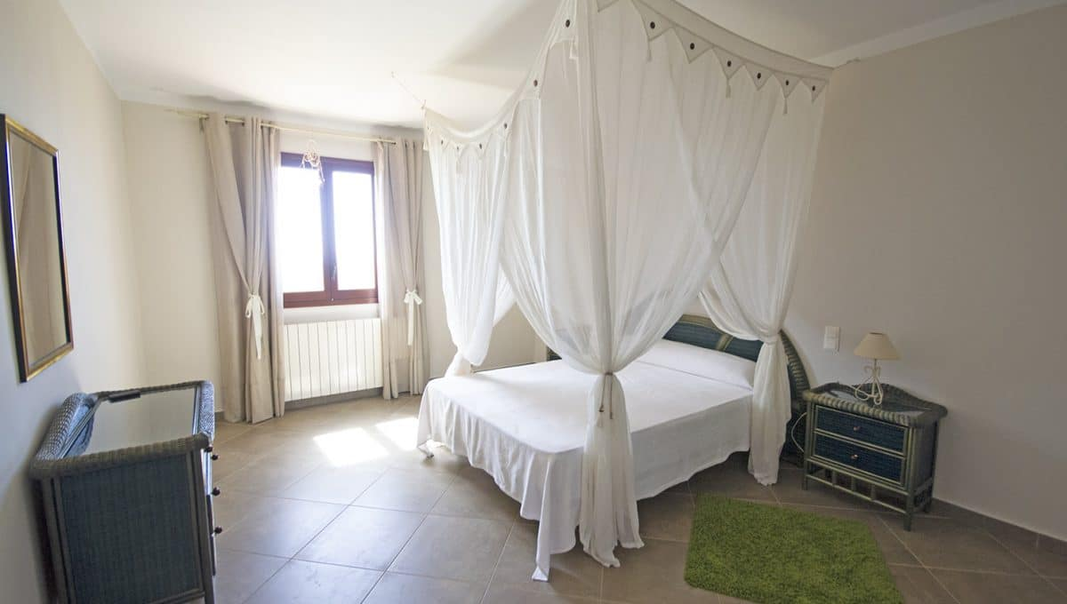 Immobilien Portocolom Finca Schlafzimmer